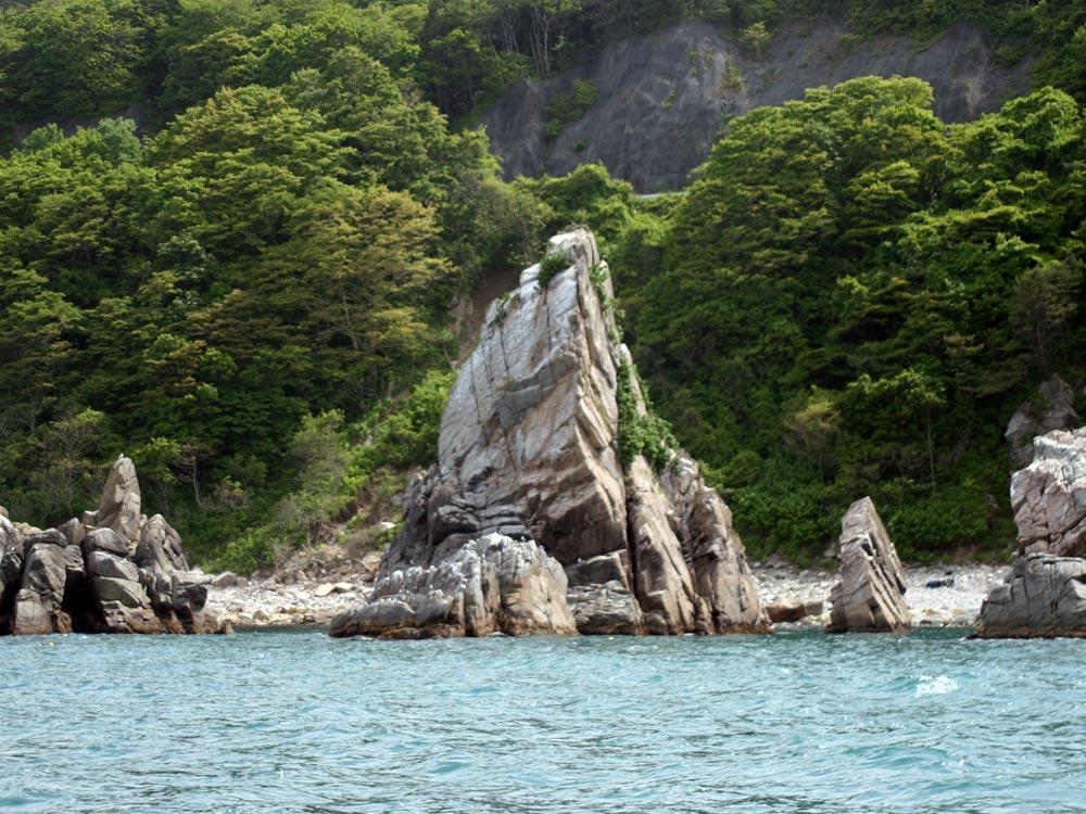えぼし岩 えぼしの形の奇岩 えぼし岩