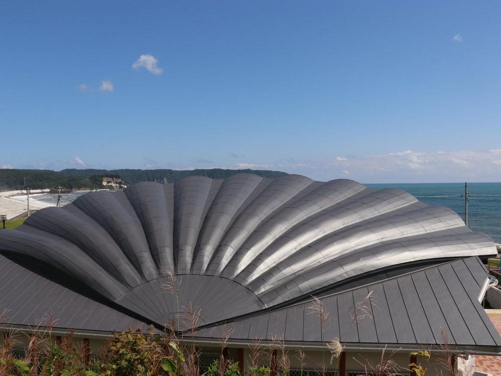 ほたてんぼうだい 野田村特産品のホタテ型にデザインした屋根