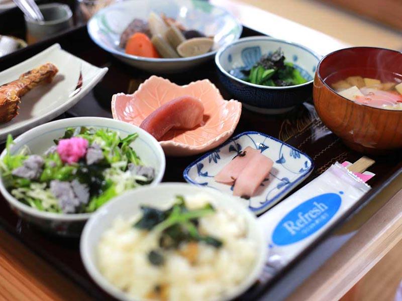 農家食堂つきや 新鮮な野菜を使った、おまかせの「日替わり御膳」