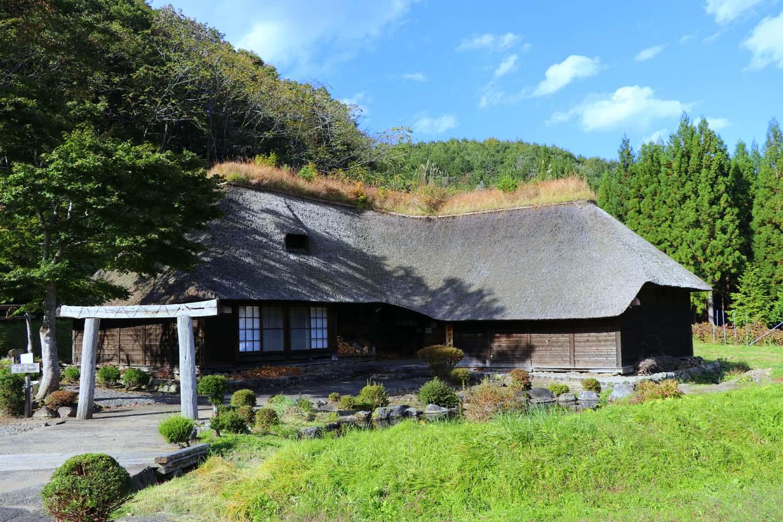 南部曲り家の残る風景(岩手県野田村)